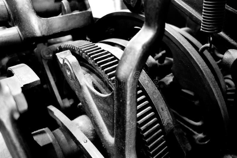 葡萄酒机器齿轮和滑轮 免版税库存图片