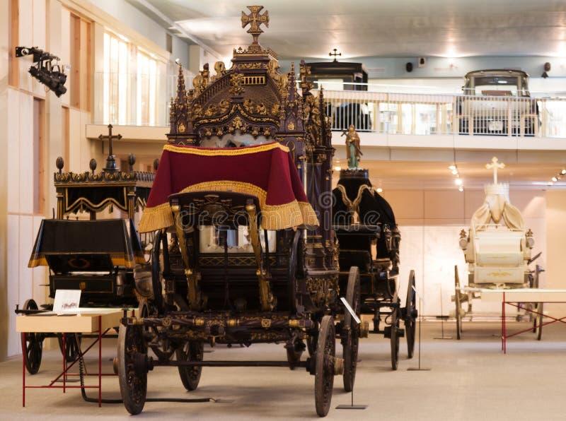 葡萄酒柩车在Museu de Carrosses Funebres 免版税库存照片