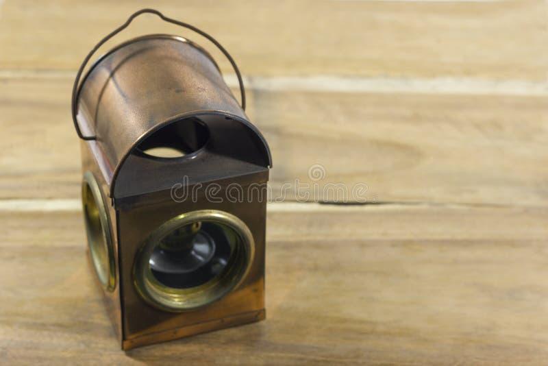 葡萄酒样式煤油灯,灯笼 库存照片