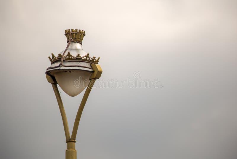 葡萄酒殖民地镇的街灯 免版税库存照片