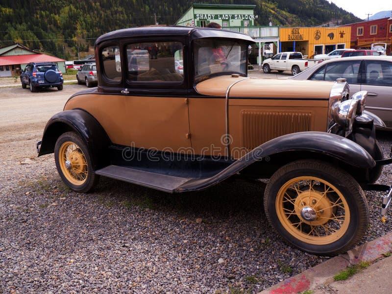 葡萄酒汽车在Silverton科罗拉多州的一个老银色采矿镇美国 免版税图库摄影
