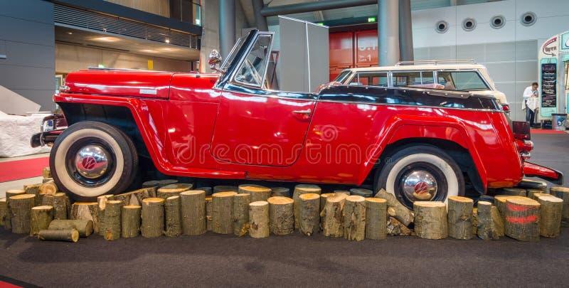 葡萄酒汽车威力斯经由陆路Jeepster, 1949年 免版税库存照片