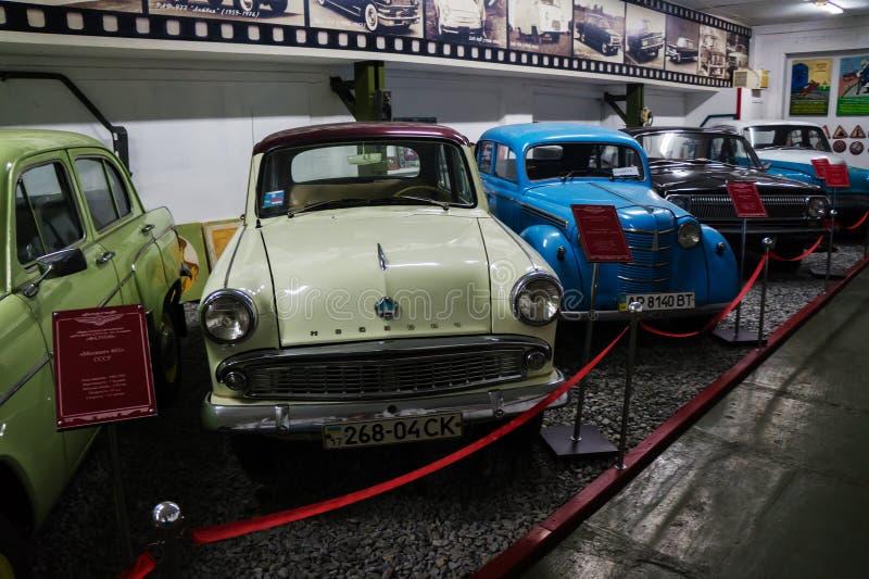 葡萄酒汽车苏联和美国敞蓬旅游车博物馆  库存图片