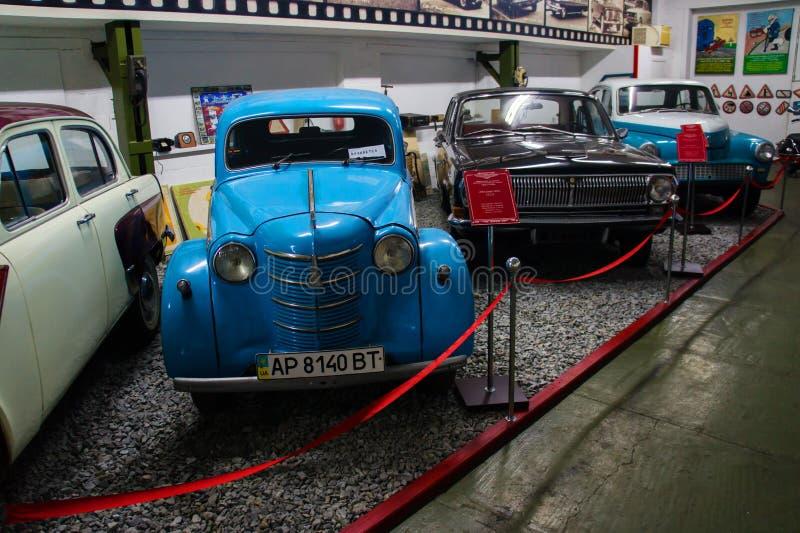 葡萄酒汽车苏联和美国敞蓬旅游车博物馆  免版税库存图片