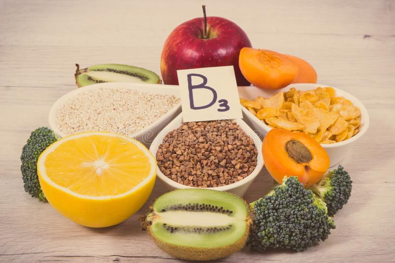 葡萄酒照片、滋补产品包含维生素B3的,纤维和自然矿物、健康生活方式和营养概念 库存图片