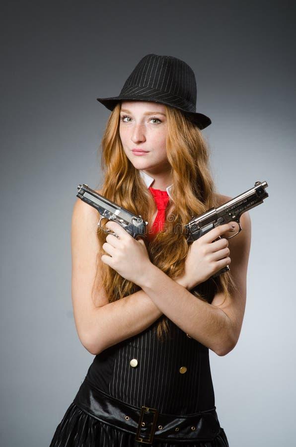 Download 葡萄酒照片概念的妇女 库存照片. 图片 包括有 有吸引力的, 女性, 目标, 帮会, 火器, 手枪, 现有量 - 72364956