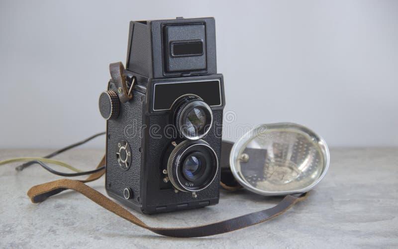 葡萄酒照相机和闪光 免版税图库摄影