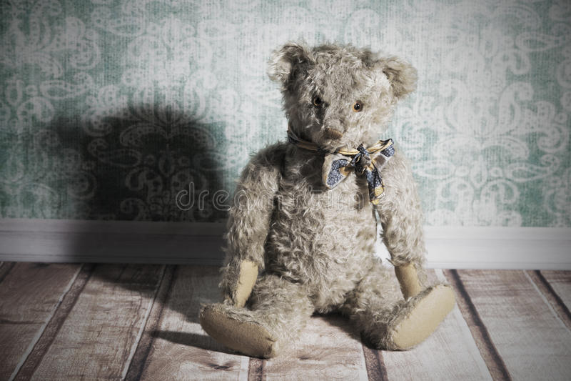 葡萄酒玩具熊 免版税库存图片