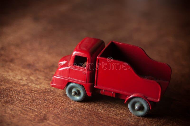 葡萄酒玩具被印模的卡车 免版税图库摄影