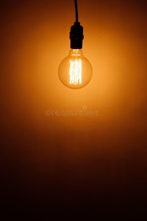 葡萄酒电电灯泡灯 免版税库存图片