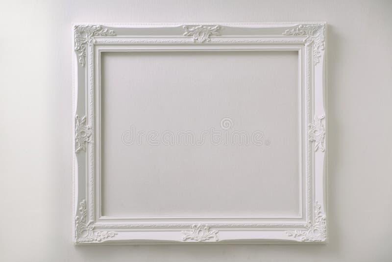葡萄酒白色照片框架 库存照片