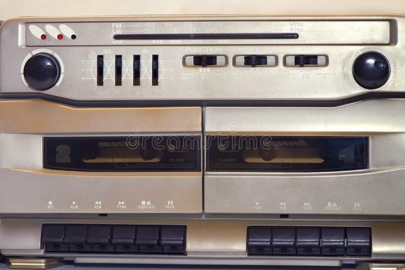 葡萄酒立体声无线电卡式磁带播放机,细节 免版税库存照片