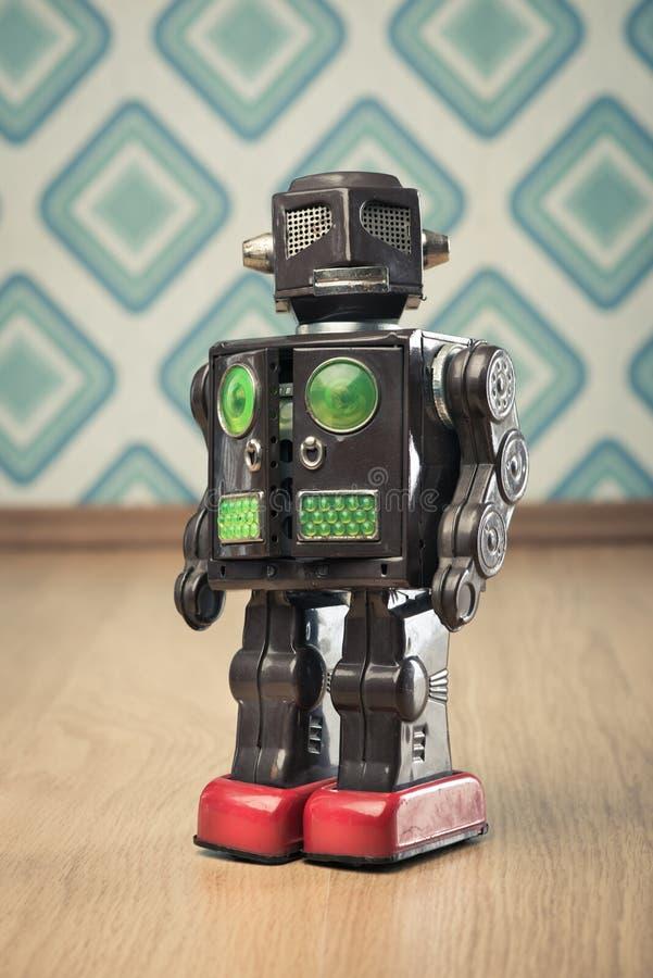 葡萄酒罐子玩具机器人 库存图片