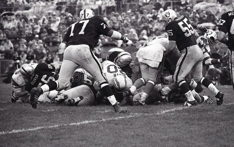 葡萄酒美国橄榄球联盟圣地牙哥战马队对奥克兰入侵者, 1968年10月13日 免版税图库摄影