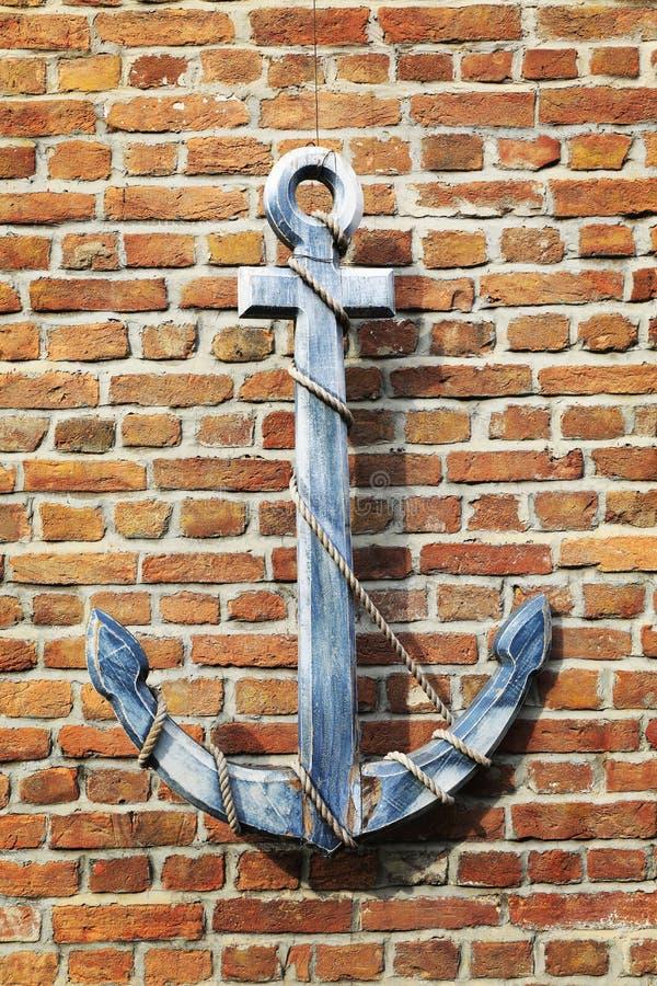葡萄酒老木船船锚,减速火箭的木船锚 免版税库存照片