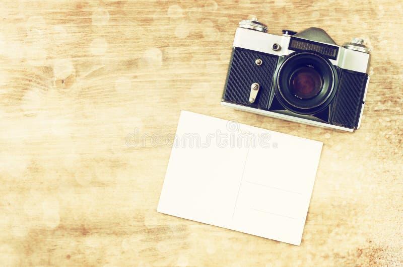 葡萄酒老照相机和postcard.vintage过滤器。 免版税库存图片