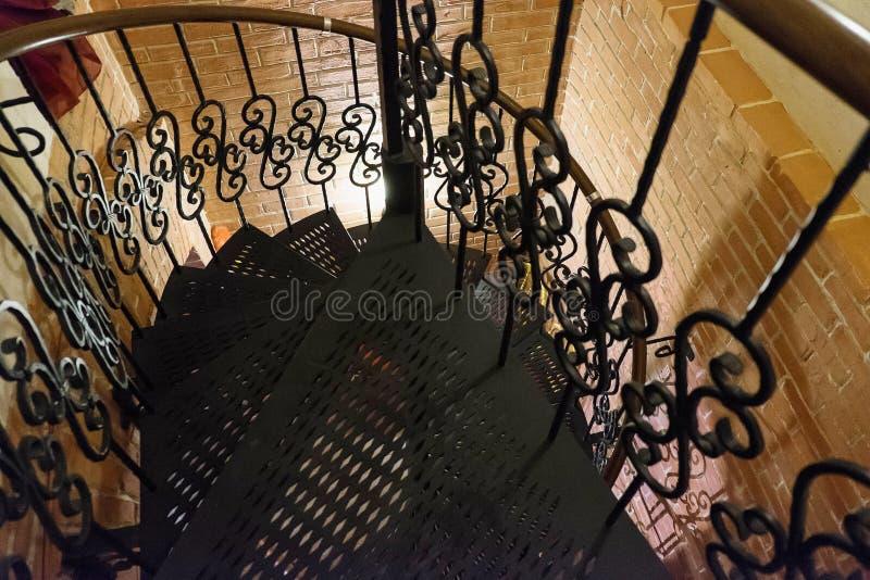 葡萄酒螺旋形楼梯 库存照片