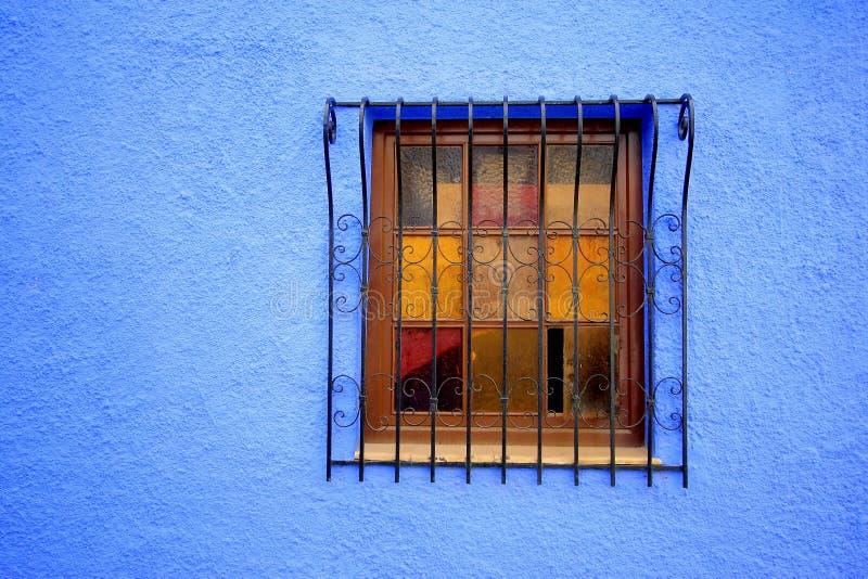 葡萄酒视窗 免版税库存照片