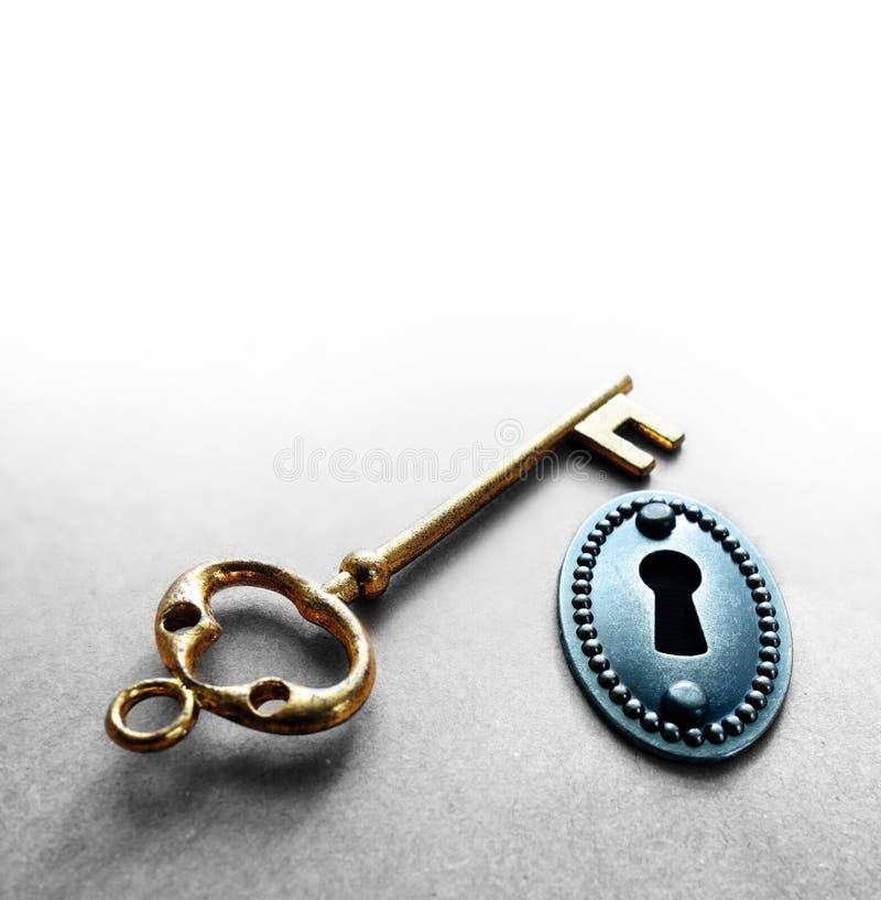 葡萄酒锁和金子钥匙 库存照片