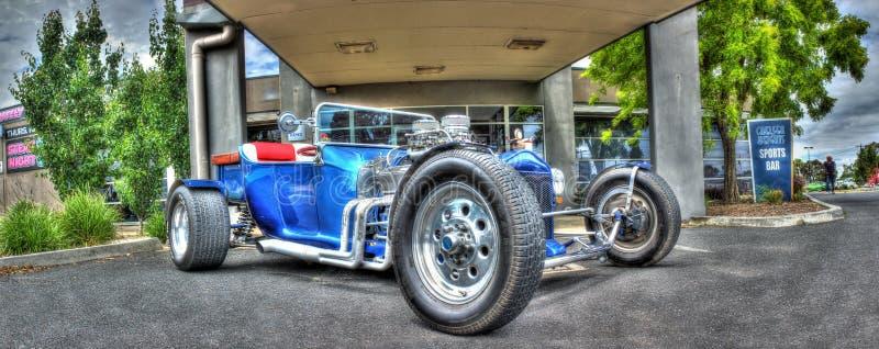 葡萄酒20世纪20年代福特旧车改装的高速马力汽车 库存照片
