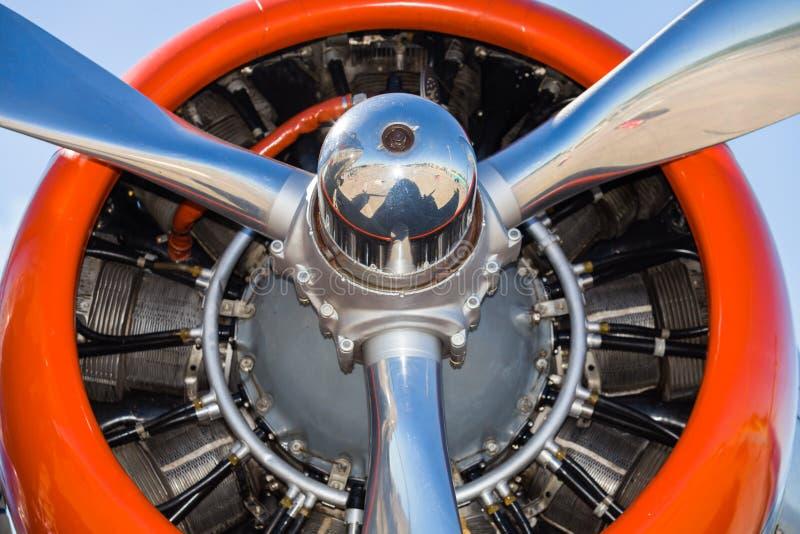 葡萄酒DC-3飞机引擎 库存图片
