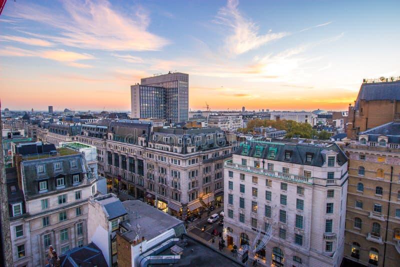 董事街道/朗廷地方,伦敦,英国 2018年10月20日 免版税库存照片