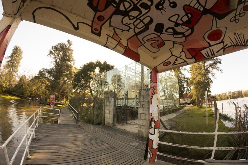 蒂格雷布宜诺斯艾利斯状态/阿根廷06/18/2014 三角洲del的巴拉那,蒂格雷布宜诺斯艾利斯阿根廷艺术性的船坞 图库摄影
