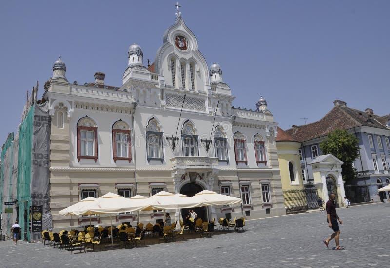 蒂米什瓦拉RO, 6月22th日:从联合广场的塞尔维亚正统大教堂在从巴纳特县的蒂米什瓦拉镇在罗马尼亚 库存图片