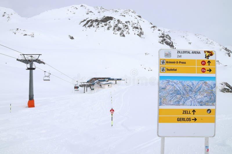 蒂罗尔滑雪站 免版税库存图片