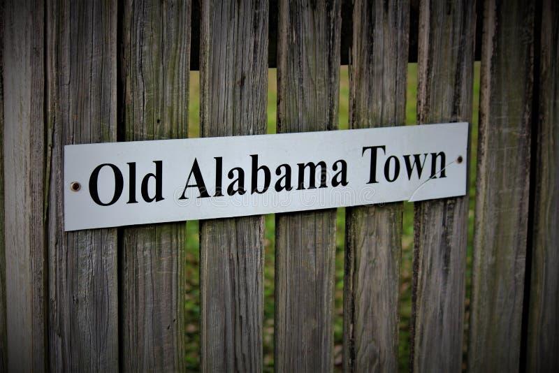 蒙加马利,AL/美国- 2019年4月15日:老阿拉巴马镇的标志 免版税库存图片