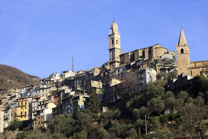 蒙塔尔托ligure村庄视图在冬天,统治权,利古里亚,意大利,欧洲 免版税图库摄影