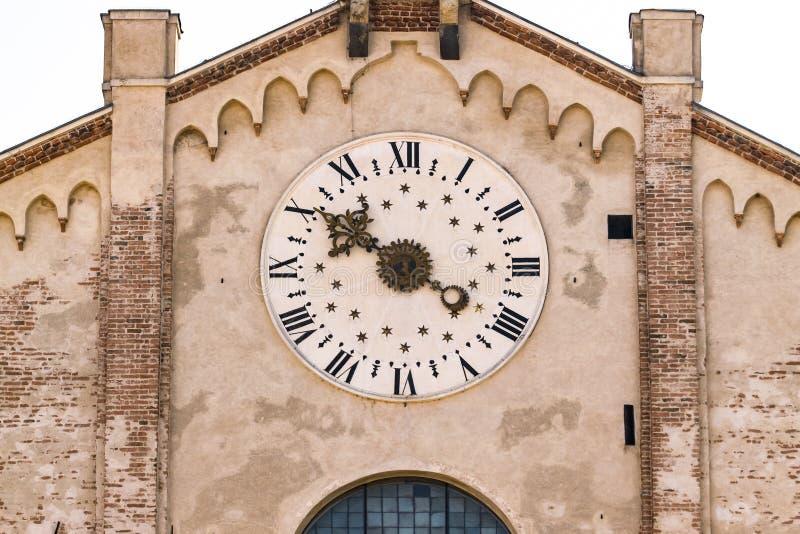 蒙塔尼亚纳,帕多瓦,意大利中央寺院的门面的细节  图库摄影
