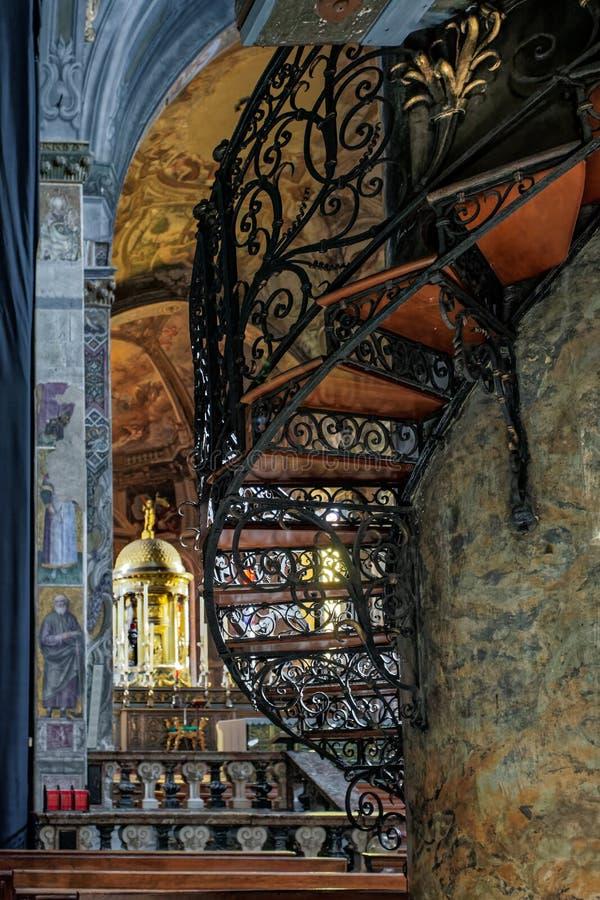 蒙扎, ITALY/EUROPE - 10月28日:在Cathe的螺旋形楼梯 免版税库存照片