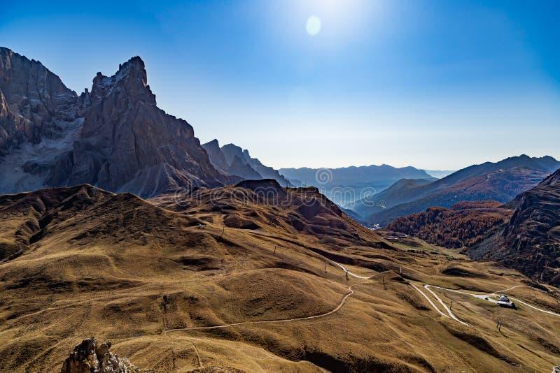 蒙泰卡斯特拉兹壮丽的风景 库存图片