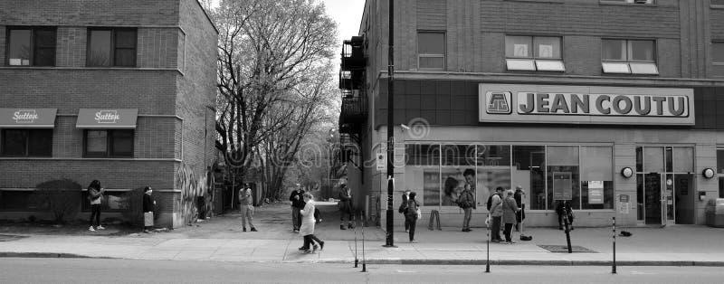 蒙特利尔市区蒙克兰街卫生走廊人行道 免版税库存照片