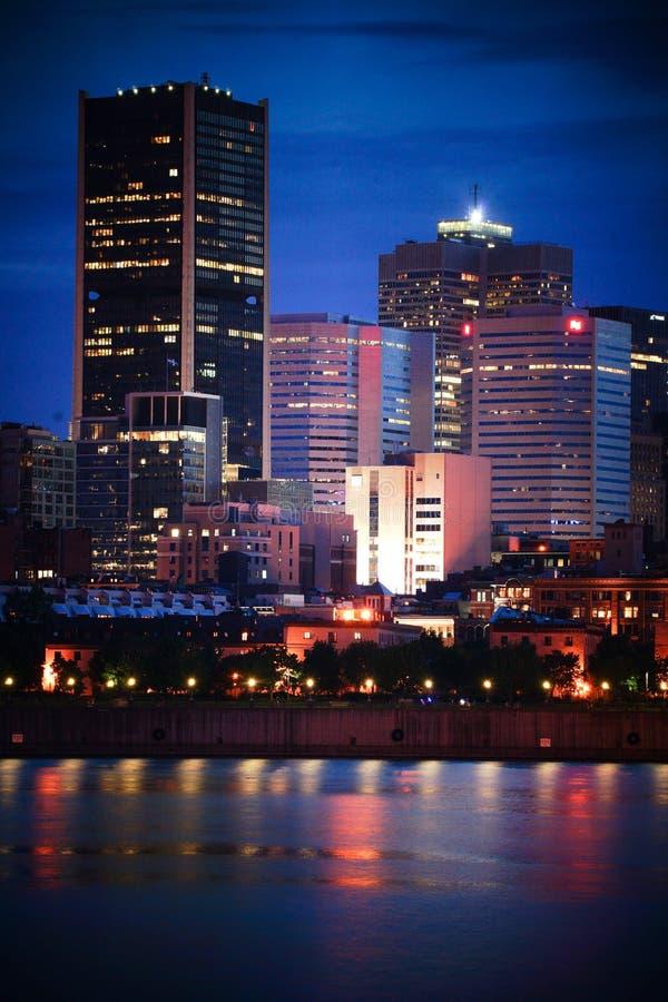 Download 蒙特利尔晚上 编辑类库存图片. 图片 包括有 城市, 布哈拉, 都市, 晚上, 黄昏, 横向, 蒙特利尔 - 72367554