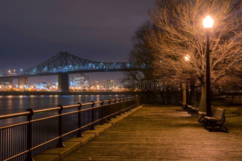 蒙特利尔木板走道在晚上 免版税库存图片