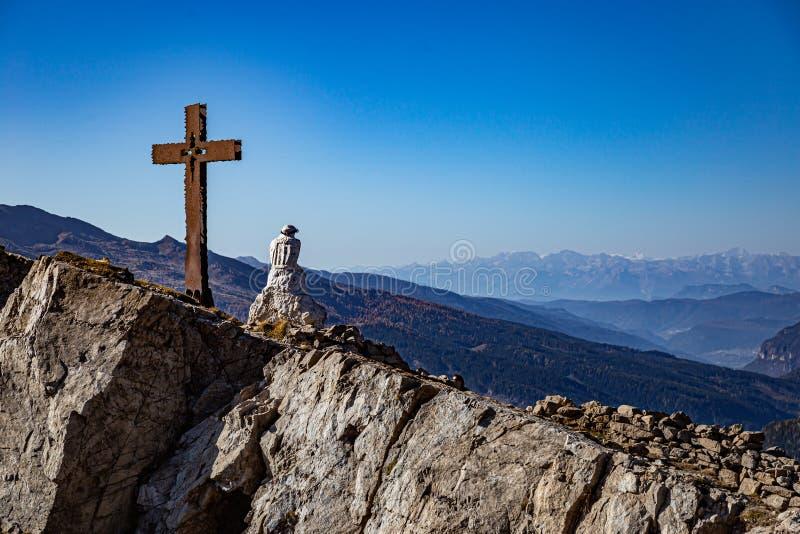 蒙特卡斯特拉斯与克里斯托·彭桑特的景观 库存照片