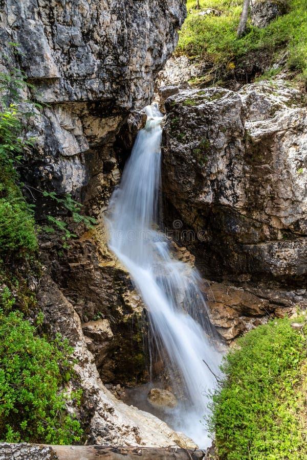 蒙特卡斯特拉斯与克里斯托·彭桑特的景观 免版税库存照片