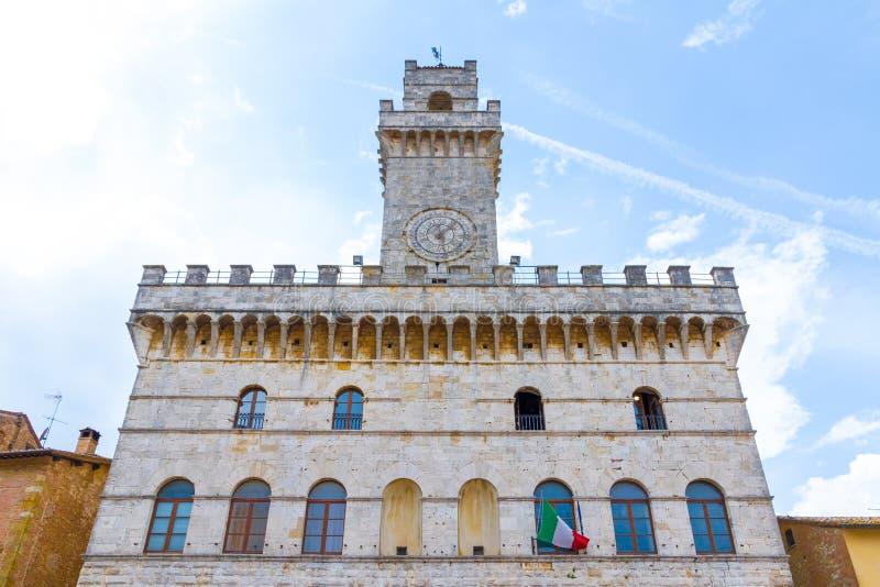 蒙特普齐亚诺市政厅1440在托斯卡纳,意大利 库存照片