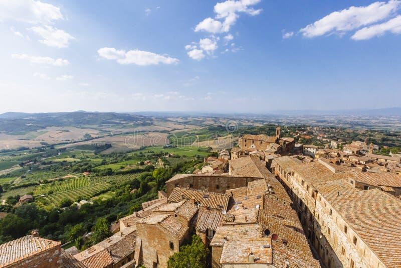 蒙特普齐亚诺,意大利镇的鸟瞰图  库存图片