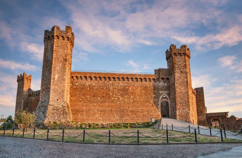 蒙达奇诺,锡耶纳,托斯卡纳,意大利:中世纪堡垒 库存图片