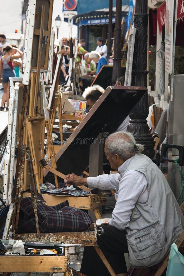 蒙马特的画家在巴黎 免版税库存图片