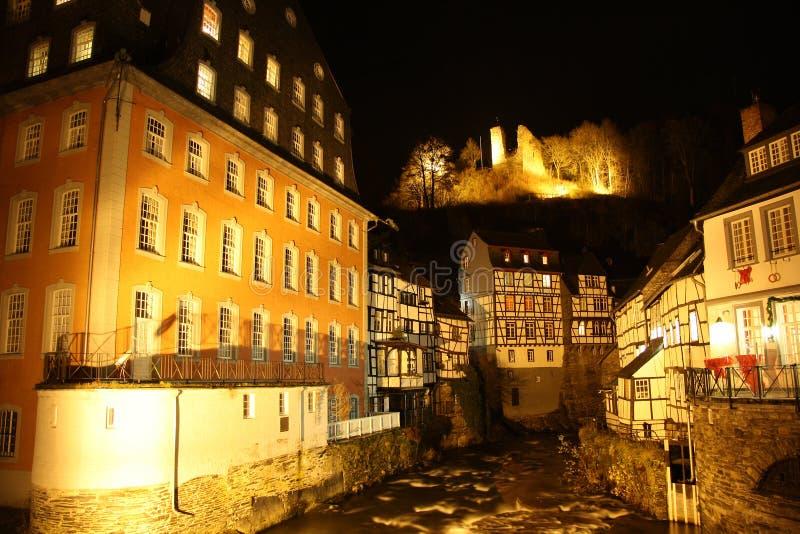 蒙绍(德国)在晚上 免版税库存照片