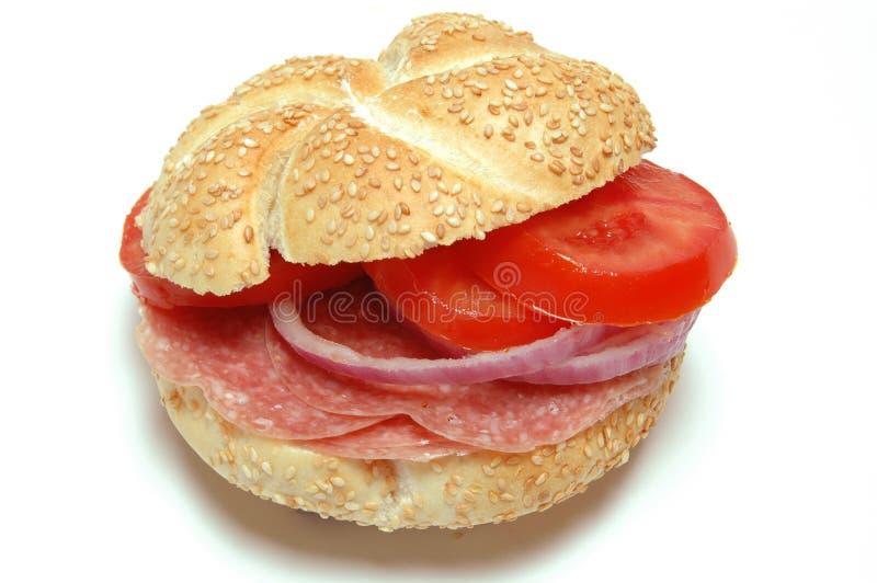 蒜味咸腊肠三明治 库存图片