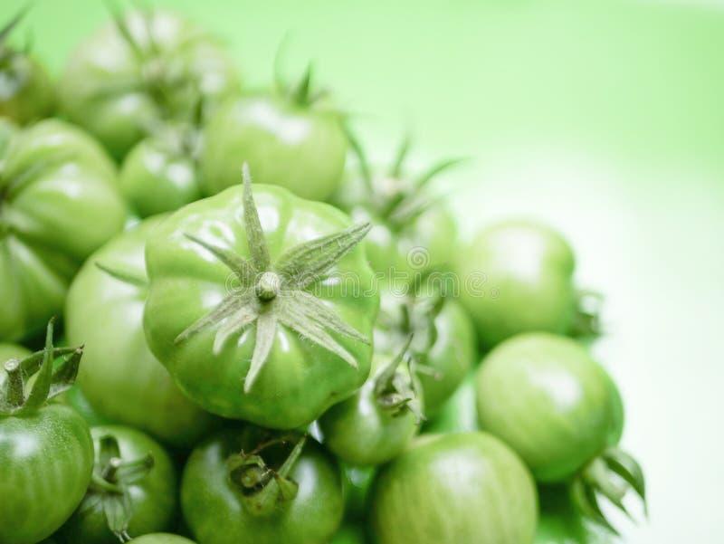 蒲式耳绿色蕃茄 免版税库存照片