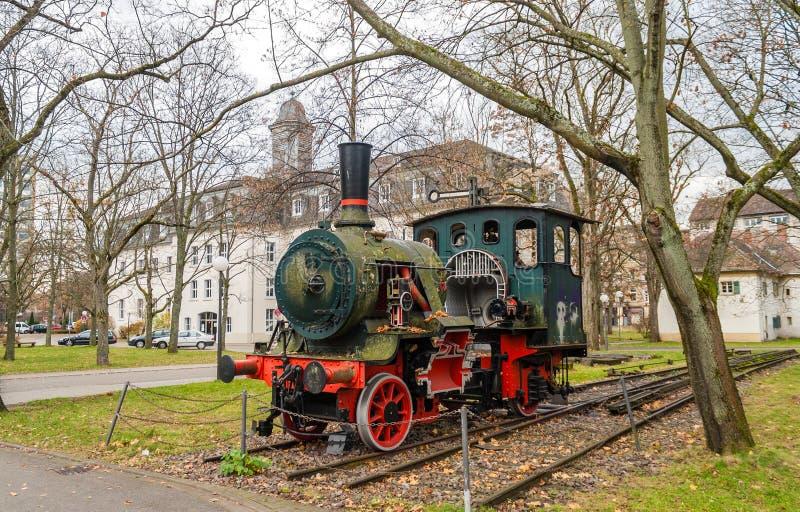 蒸汽机车的纪念碑在卡尔斯鲁厄 免版税库存照片