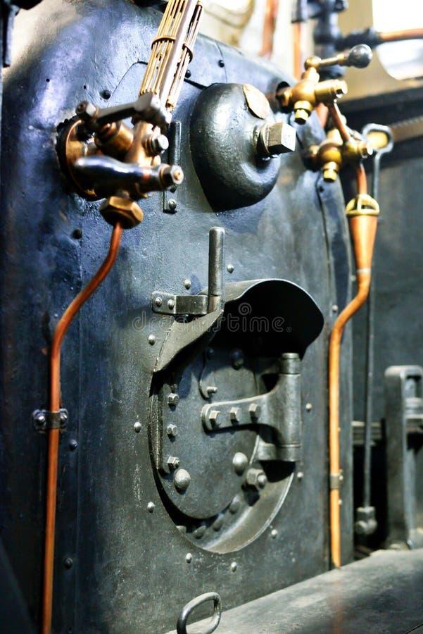 蒸汽机车锅炉特写镜头,老 库存照片