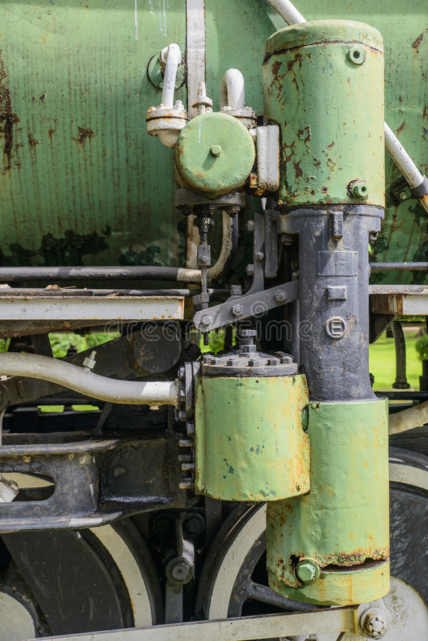 蒸汽火车轮子特写镜头  免版税库存照片