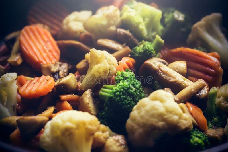 蒸汽的热的菜 免版税库存图片